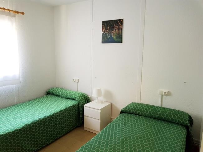 dormitorio_1-complejo-bubal-formigal-3000biescas-pirineo-aragones.jpg