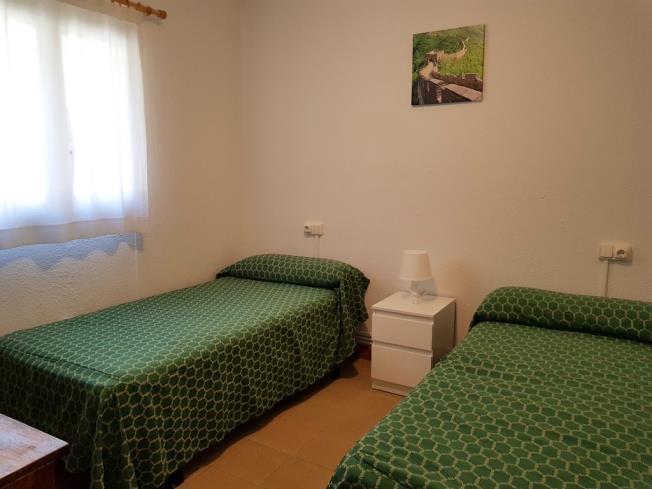 dormitorio_2-complejo-bubal-formigal-3000biescas-pirineo-aragones.jpg