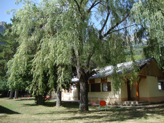 exterior-complejo-bubal-formigal-3000-biescas-pirineo-aragones.jpg