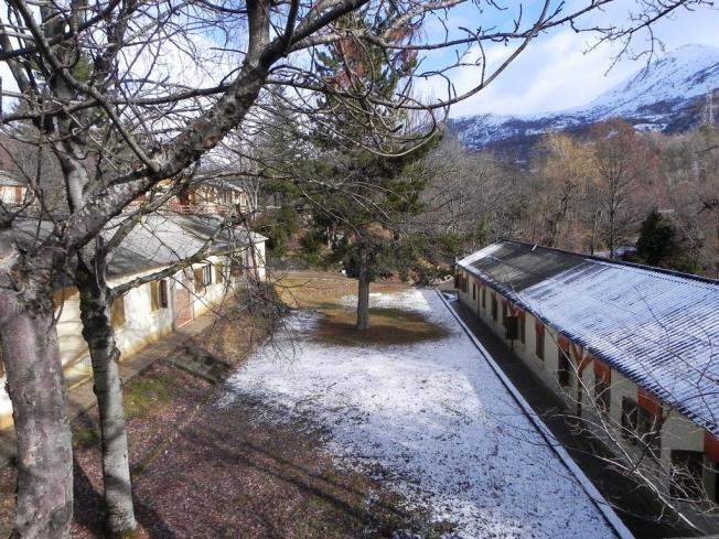 fachada-invierno_3-complejo-bubal-formigal-3000biescas-pirineo-aragones.jpg