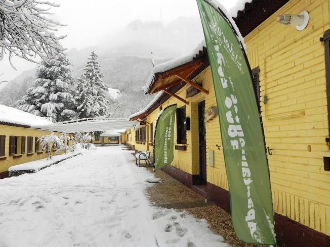fachada-invierno_8-complejo-bubal-formigal-3000biescas-pirineo-aragones.jpg