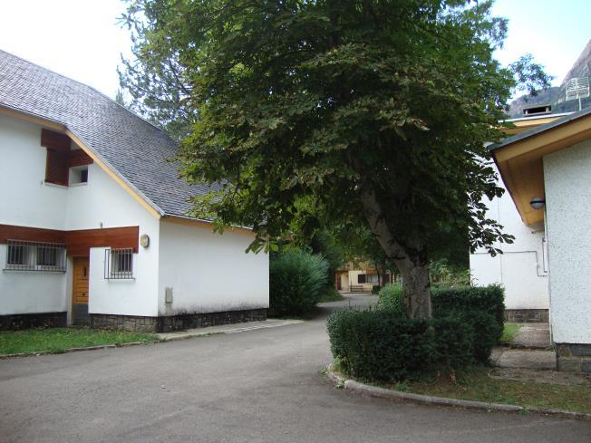 fachada-verano-complejo-bubal-formigal-3000-biescas-pirineo-aragones.jpg