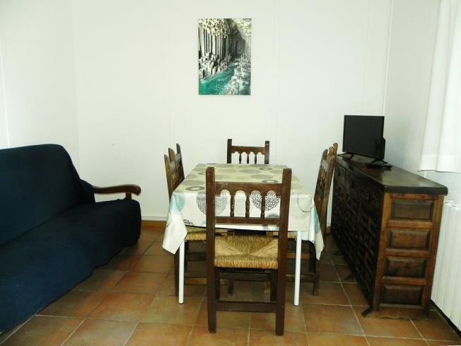 salon-comedor_6-complejo-bubal-formigal-3000biescas-pirineo-aragones.jpg