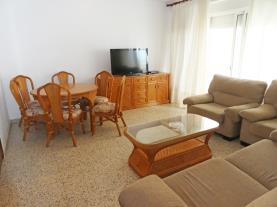 salon-comedor_3-apartamentos-gandia-primera-linea-de-playa-3000gandia-costa-de-valencia.jpg