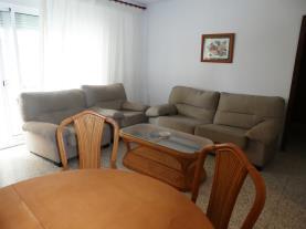 salon-comedor_4-apartamentos-gandia-primera-linea-de-playa-3000gandia-costa-de-valencia.jpg
