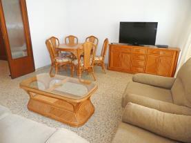salon-comedor_5-apartamentos-gandia-primera-linea-de-playa-3000gandia-costa-de-valencia.jpg