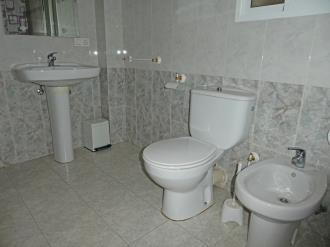 bano_5-apartamentos-gandia-primera-linea-de-playa-3000gandia-costa-de-valencia.jpg