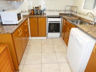 cocina_3-apartamentos-gandia-primera-linea-de-playa-3000gandia-costa-de-valencia.jpg