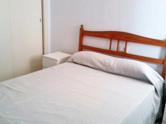 dormitorio_2-apartamentos-gandia-primera-linea-de-playa-3000gandia-costa-de-valencia.jpg