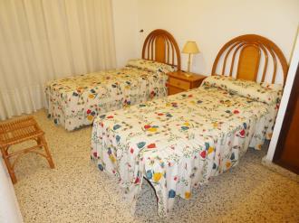 dormitorio_4-apartamentos-gandia-primera-linea-de-playa-3000gandia-costa-de-valencia.jpg