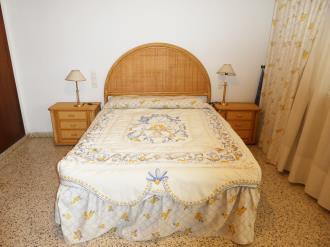 dormitorio_5-apartamentos-gandia-primera-linea-de-playa-3000gandia-costa-de-valencia.jpg