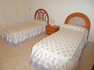 dormitorio_9-apartamentos-gandia-primera-linea-de-playa-3000gandia-costa-de-valencia.jpg
