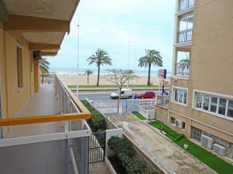terraza_4-apartamentos-gandia-primera-linea-de-playa-3000gandia-costa-de-valencia.jpg