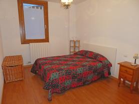 dormitorio_11-apartamentos-villanua-3000villanua-pirineo-aragones.jpg
