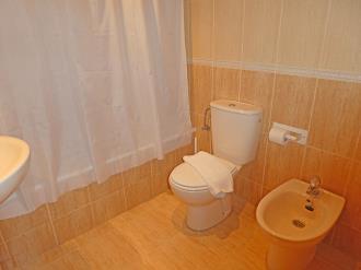 bano_4-apartamentos-villanua-3000villanua-pirineo-aragones.jpg