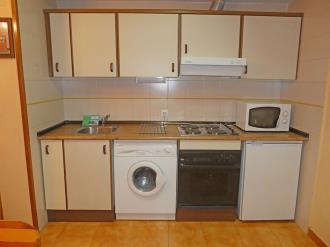 cocina_4-apartamentos-villanua-3000villanua-pirineo-aragones.jpg