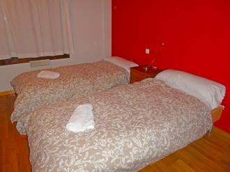 dormitorio_9-apartamentos-villanua-3000villanua-pirineo-aragones.jpg