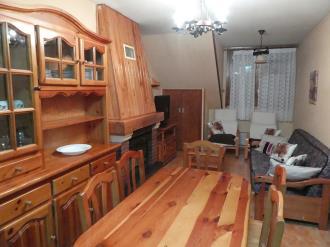 salon-comedor_5-apartamentos-villanua-3000villanua-pirineo-aragones.jpg