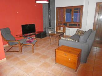 salon-comedor_7-apartamentos-villanua-3000villanua-pirineo-aragones.jpg