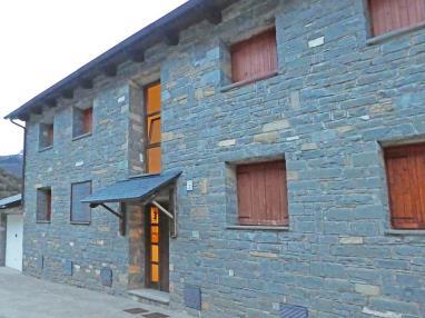 Fachada Invierno España Pirineo Aragonés Villanua Apartamentos Villanua 3000