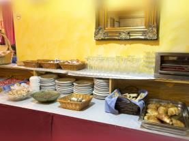 cafeteria_3-hotel-antic-3000arans-estacion-vallnord.jpg