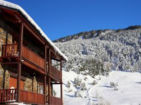 fachada-invierno-hotel-antic-3000-arans-estacion-vallnord.jpg