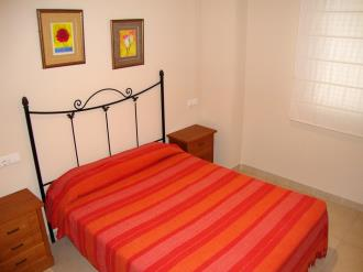 dormitorio_1-apartamentos-mondrian-marina-dor-3000oropesa-del-mar-costa-azahar.jpg