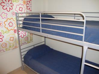 dormitorio_3-apartamentos-mondrian-marina-dor-3000oropesa-del-mar-costa-azahar.jpg
