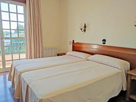 dormitorio-hotel-galaico-sanxenxo-sanxenxo-sangenjo-galicia-rias-bajas.jpg