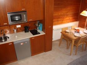 Cocina-Apartamentos-La-pleta-Incles--Suites-3000-SOLDEU-Estación-Grandvalira.jpg