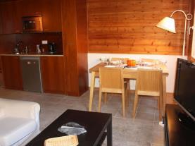 Salón2-Apartamentos-La-pleta-Incles--Suites-3000-SOLDEU-Estación-Grandvalira.jpg