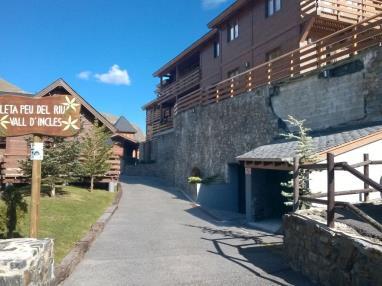 Fachada Verano Andorra Estación Grandvalira Soldeu Apartamentos La pleta Incles  Suites 3000