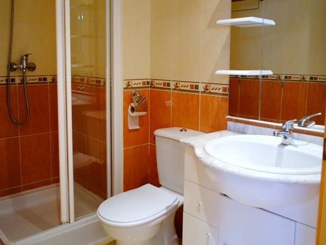 bano-apartamentos-marcomar-3000-alcoceber-costa-azahar.jpg