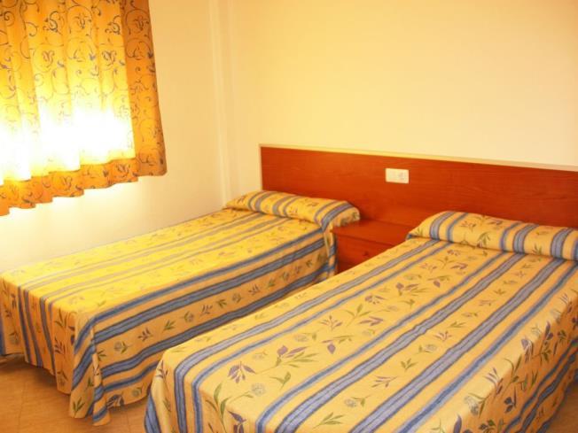 dormitorio_5-apartamentos-marcomar-3000alcoceber-costa-azahar.jpg