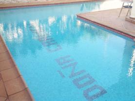 Piscina-Apartamentos-Residencial-Doña-Carmen-3000--OROPESA-DEL-MAR-Costa-Azahar.jpg