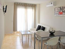 Salón-comedor3-Apartamentos-Residencial-Doña-Carmen-3000--OROPESA-DEL-MAR-Costa-Azahar.jpg