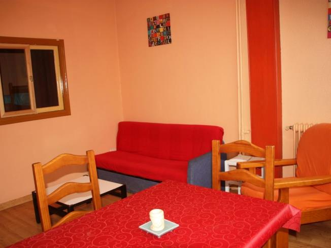 salon-apartamentos-candanchu-3000-candanchu-pirineo-aragones.jpg