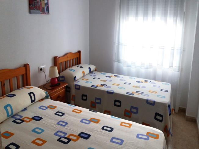 dormitorio_1-apartamentos-oropesa-3000-sin-piscinaoropesa-del-mar-costa-azahar.jpg