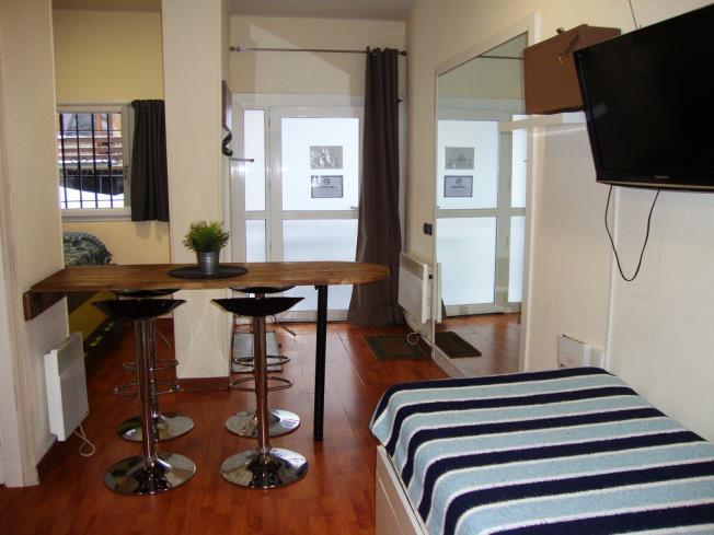 salon-comedor_9-apartamentos-pie-pistas-pas-de-la-casa-3000pas-de-la-casa-estacion-grandvalira.jpg