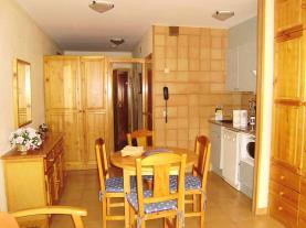 salon-comedor_15-apartamentos-pie-pistas-pas-de-la-casa-3000pas-de-la-casa-estacion-grandvalira.jpg