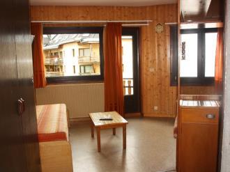salon-comedor_3-apartamentos-pie-pistas-pas-de-la-casa-3000pas-de-la-casa-estacion-grandvalira.jpg