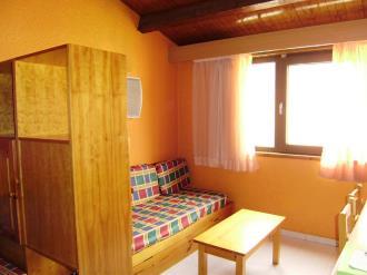 salon-comedor_5-apartamentos-pie-pistas-pas-de-la-casa-3000pas-de-la-casa-estacion-grandvalira.jpg