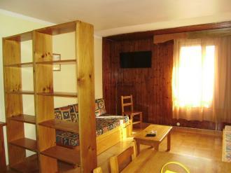 salon-comedor_6-apartamentos-pie-pistas-pas-de-la-casa-3000pas-de-la-casa-estacion-grandvalira.jpg