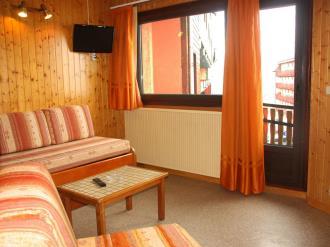 salon-comedor_8-apartamentos-pie-pistas-pas-de-la-casa-3000pas-de-la-casa-estacion-grandvalira.jpg