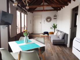 salon-comedor-8-apartamentos-boutique-granada-3000granada-andalucia.jpg