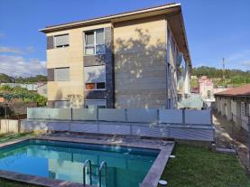 piscina-apartamentos-sanxenxo-3000-sanxenxo-sangenjo-galicia-rias-bajas.jpg