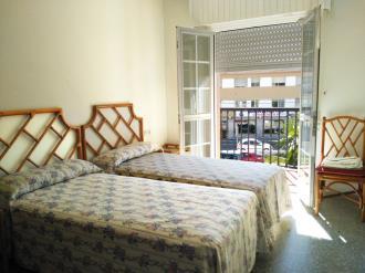 dormitorio-apartamentos-sangenjo-3000-sangenjo-galicia_-rias-bajas.jpg