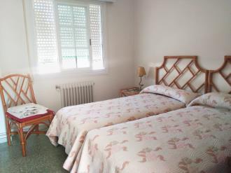 dormitorio_1-apartamentos-sangenjo-3000sangenjo-galicia_-rias-bajas.jpg