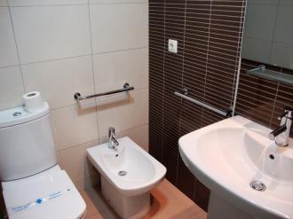 bano_5-apartamentos-canillo-pie-de-pistas-3000canillo-estacion-grandvalira.jpg