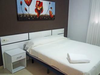 dormitorio_4-apartamentos-terrazas-al-mar-3000oropesa-del-mar-costa-azahar.jpg